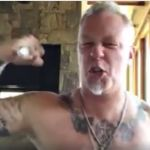 James Hetfield ściąga ciuchy dla Iggy'ego Popa! [VIDEO]