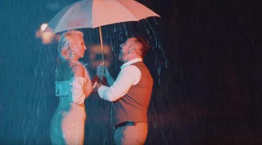 Romantyzm, który porywa do tańca?! Zespół Mejk mówi Halo, halo kochanie