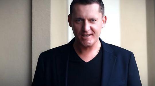 """Adam Chrola """"Bo przez Twe Oczy"""" przedpremierowo w VOX FM!"""