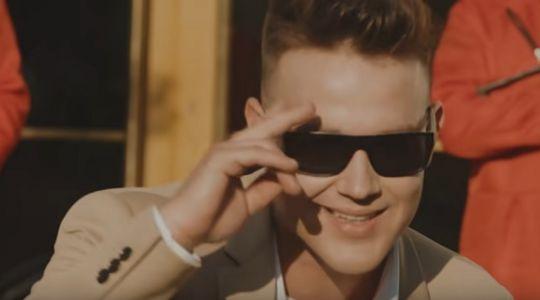 Wokalista disco polo nie kryje radości. Luka Rosi  zarobił pierwszy milion!