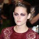 Kristen Stewart poza list:( HOT 100